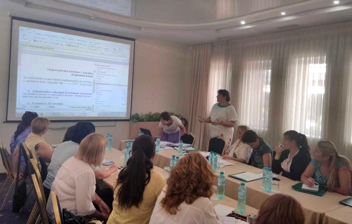 Instruiți ca să muncească mai bine cu pacienții cu TB. Rolul echipelor multidisciplinare în prevenirea întreruperii tratamentului